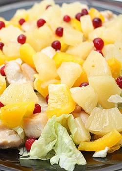 Новогодние салаты с ананасом: немного экзотики в зимнюю ночь