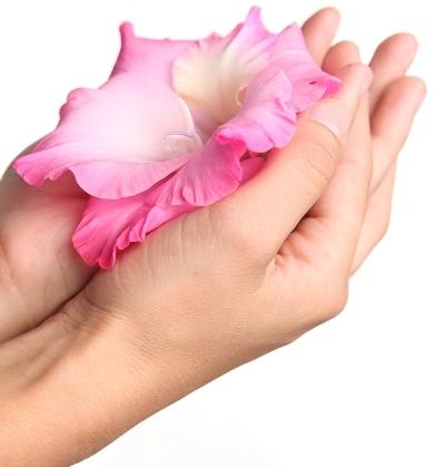 Секреты омоложения кожи рук в домашних условиях