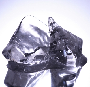 Кубики льда для лица. Протирание лица кубиками льда
