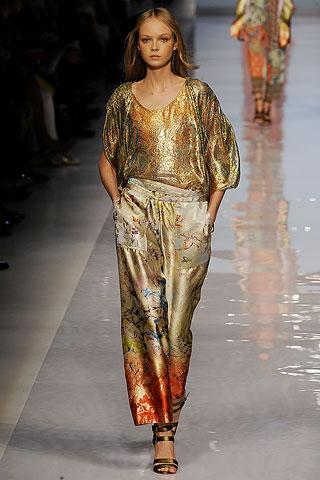 Восточный стиль в одежде - яркость красок и богатство тканей...