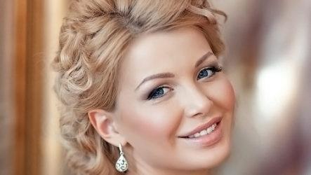 Модные свадебные прически — 9 стильных вариантов