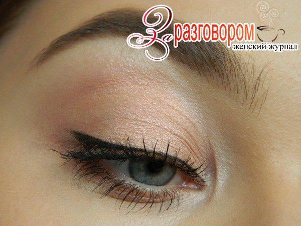 повседневный макияж со стрелками, фото