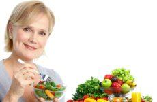 Питание женщины после 45 лет: фрукты и ягодки опять?