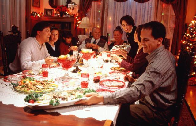 novogodnie razvlecheniya za stolom dlya vzroslyih