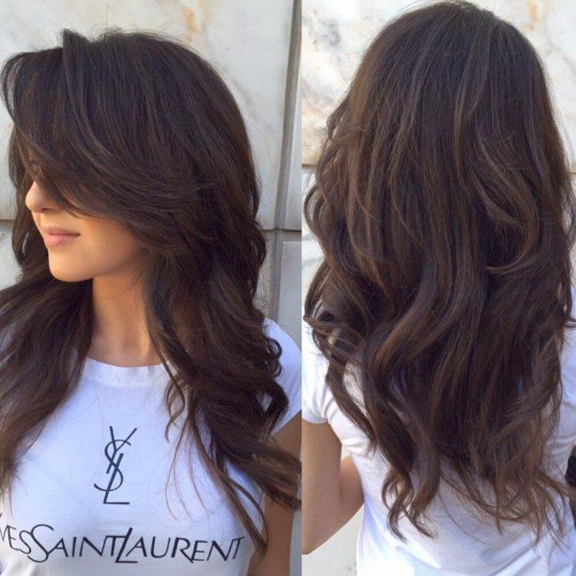 Каскадная прическа на длинные волосы